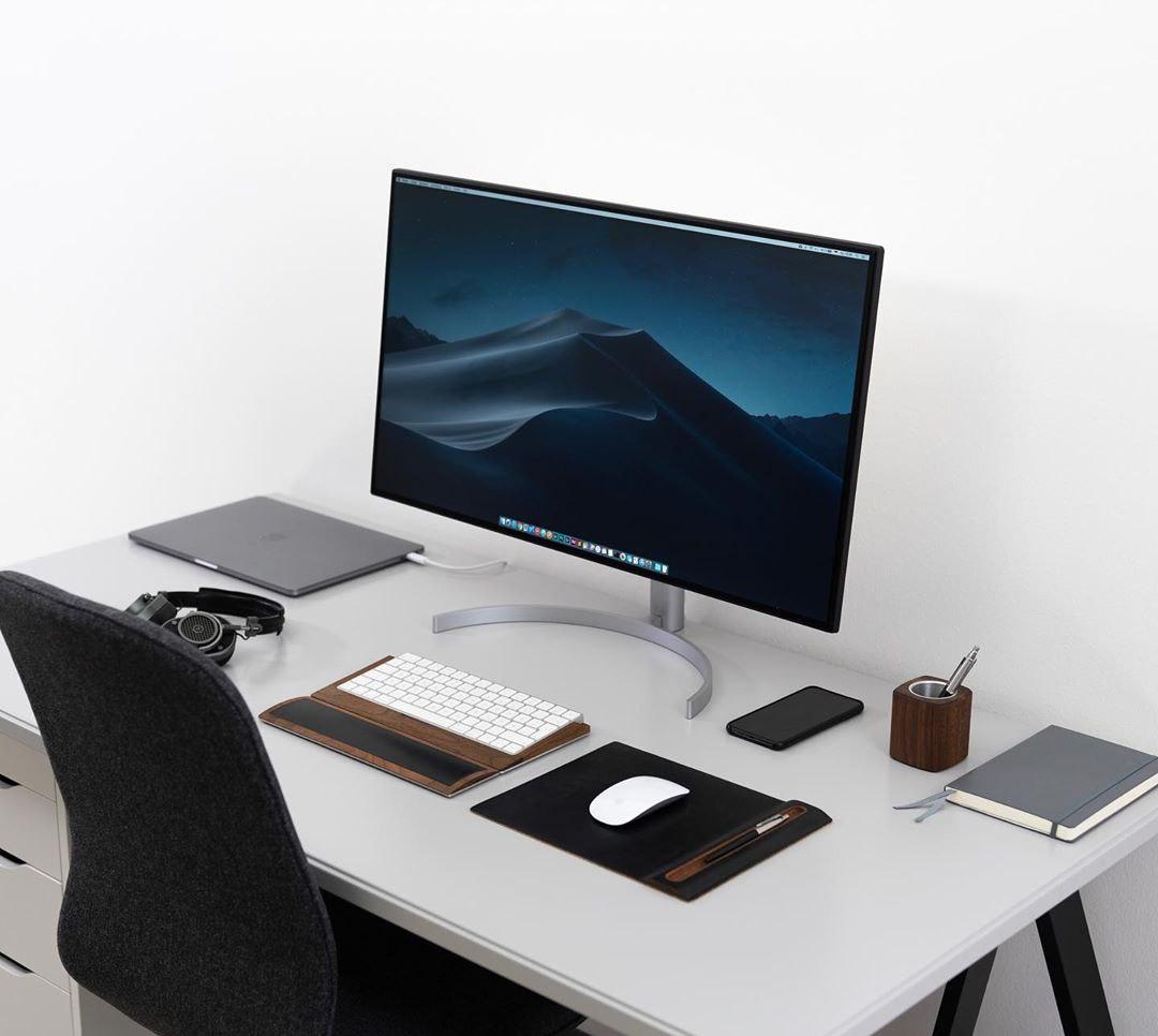 A super clean black on white setup!